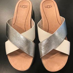 UGG Kari metallic silver & White Women sandals